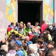 Monsignor L. Monari saluta i presenti