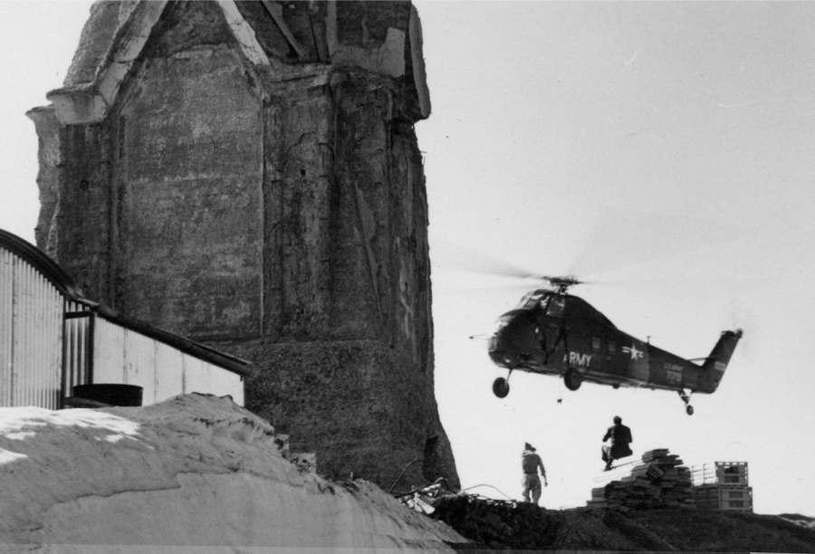 Anno  1966 – Il lavoro degli elicotteri